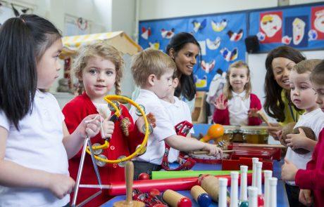 """""""Mit Kindern im Gespräch"""" – Qualifizierung für sprachliche Bildung in Kitas in Rheinland-Pfalz / 9 Module"""