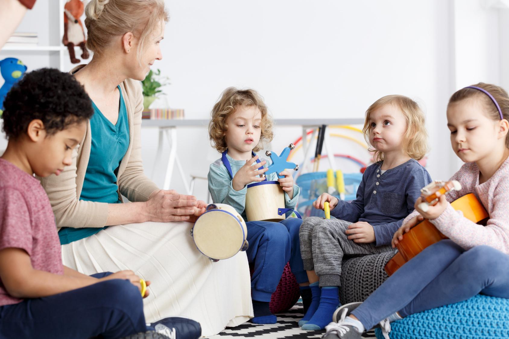 FOBI 41/2018 Kalimba, Xylophon, Trommel & Co – instrumentales Musizieren mit Kindern